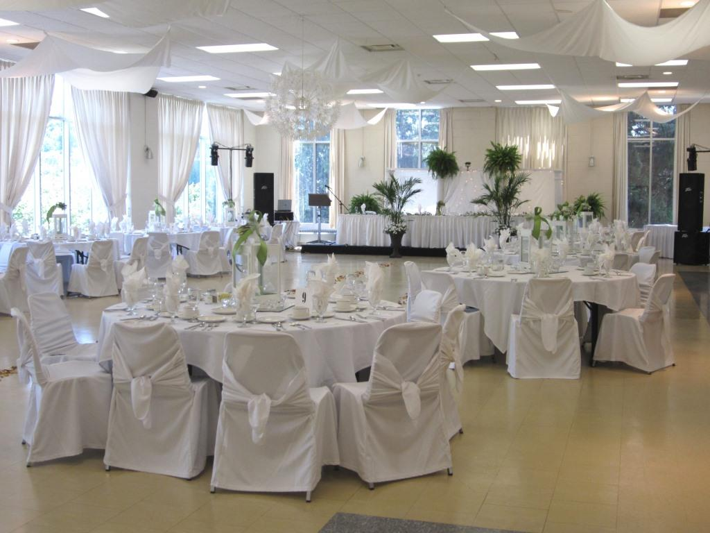 Picture dining room setup for a wedding